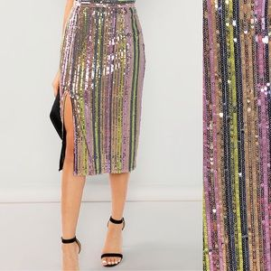 Dresses & Skirts - 🆕🏆⭐️Colorful sequins midi shirt with front slit